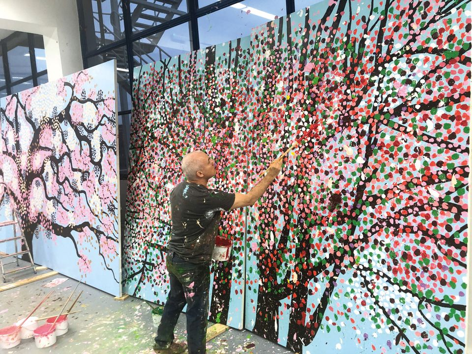Blossoming Artist Damien Hirst On Returning To The Studio Fluorescent Florals And The Muppets In Government The Art Newspaper
