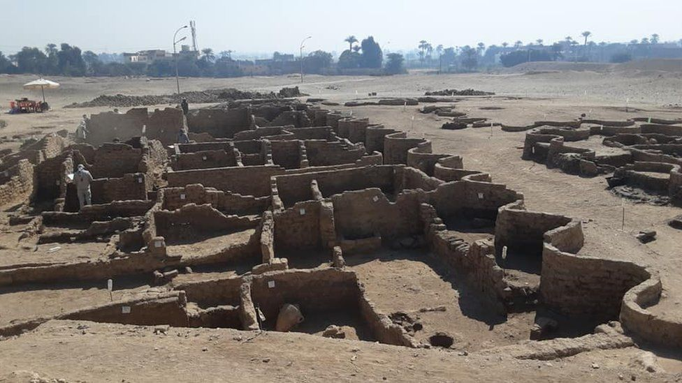 Archaeologists have unearthed the site of a large city in good condition, with almost complete walls, and with rooms filled with tools of daily life