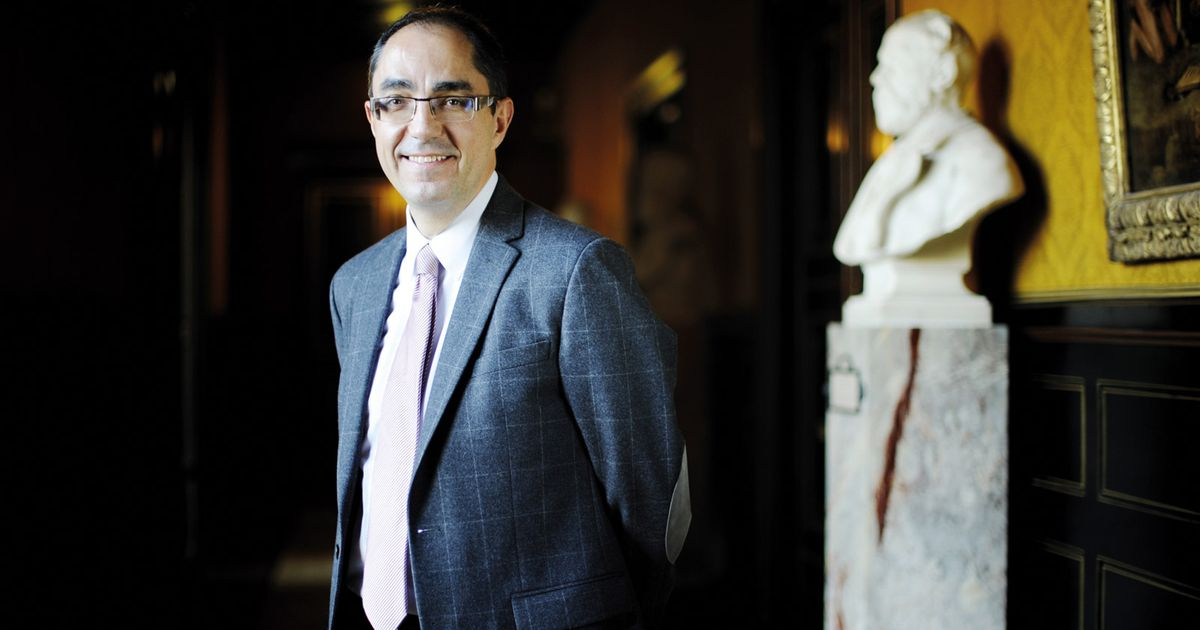 Jean-Luc Martinez stays in post as Louvre director—for now