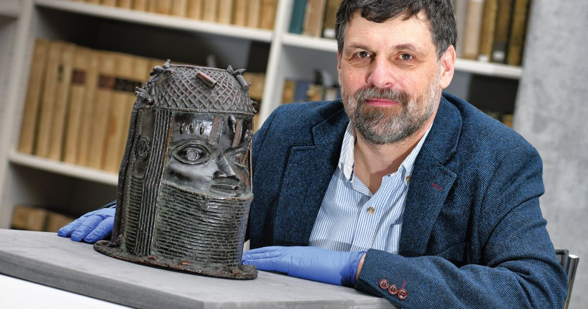 Scottish university claims Benin bronze bought for £750 is worth £500,000—but is that now really the case?